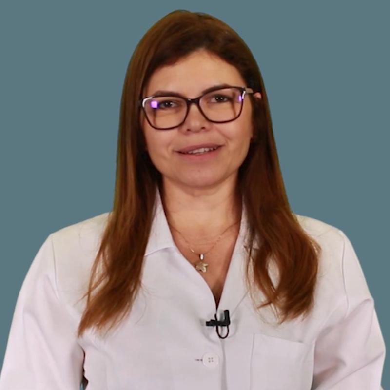 """<a href=""""/membros/maria-lucoveis/"""">Profa. Me. Maria Lucoveis</a>"""